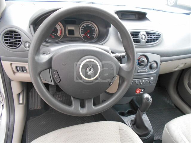 RENAULT - CLIO PACK AUTHENTIQUE 1. 5DCI70 - foto 5