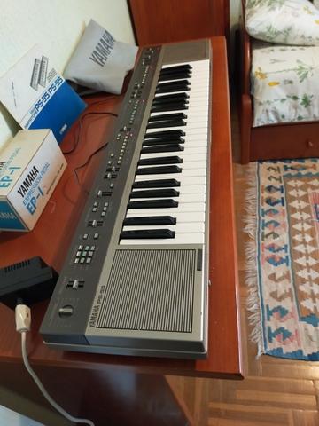 VENDO PIANO ELECTRÓNICO.  YAMAHA PS55 - foto 3