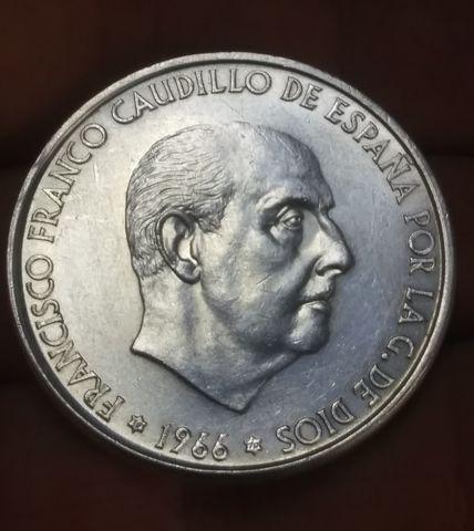 Moneda 100 Pesetas 1966 Estrella 70