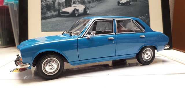 Peugeot 504 Welly Escala 1:18