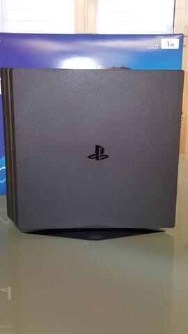 SONY PS4 PRO 1TB + ACCESORIOS + JUEGOS.  - foto 4
