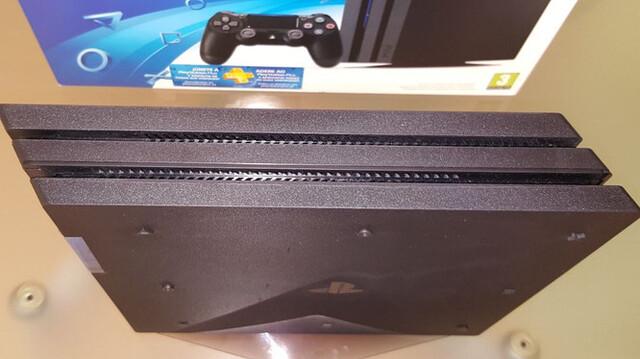 SONY PS4 PRO 1TB + ACCESORIOS + JUEGOS.  - foto 8