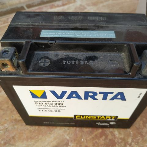 BATERÍA DE MOTO VARTA - foto 1
