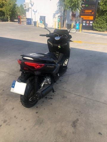 YAMAHA - XMAX 250 MOMO DESIGN - foto 7