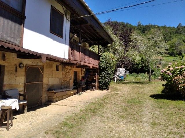 VENDO CASA EN PUEBLO DE CANTABRIA - foto 1