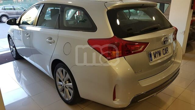 TOYOTA - AURIS HYBRID ADVANCE TOURING SPORTS - foto 4