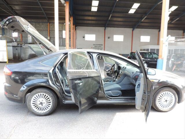 FORD - MONDEO 2. 0 TDCI 140 TREND - foto 9