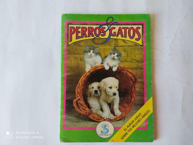 Album De Cromos  Perros Y Gatos.