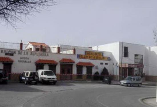 BODEGA Y HOTEL EN ALBONDÓN - foto 1