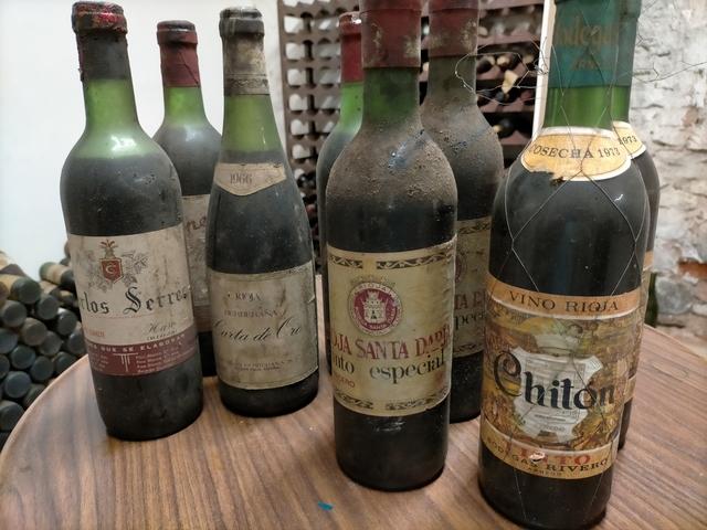 Viejas Botellas De Rioja