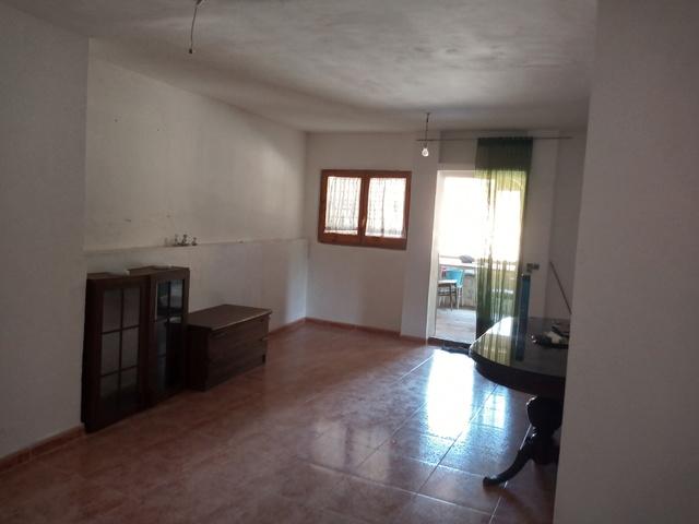 FINCA CON AGUA DE RIEGO Y CONSTRUCCIÓN - foto 2