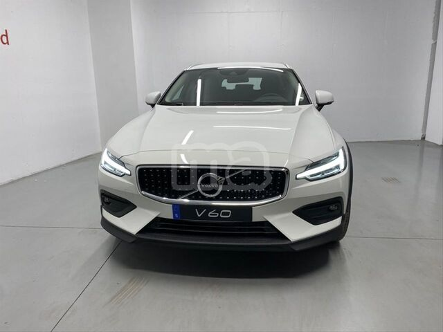 VOLVO - V60 CROSS COUNTRY 2. 0 D4 AWD CROSS COUNTRY AUTO - foto 3