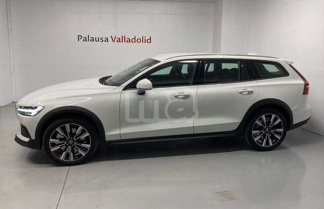 VOLVO - V60 CROSS COUNTRY 2. 0 D4 AWD CROSS COUNTRY AUTO - foto 4
