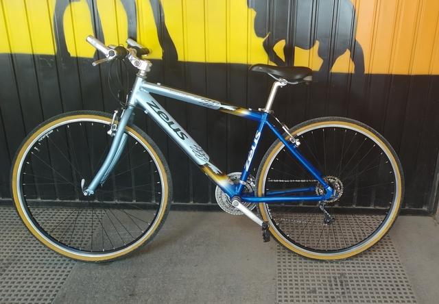 Bicicleta Zeus,  Híbrida De Aluminio