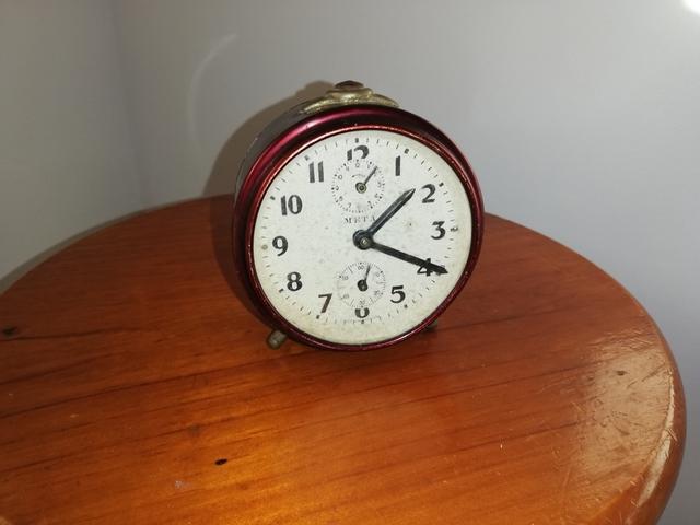 Reloj Despertador De Mesita