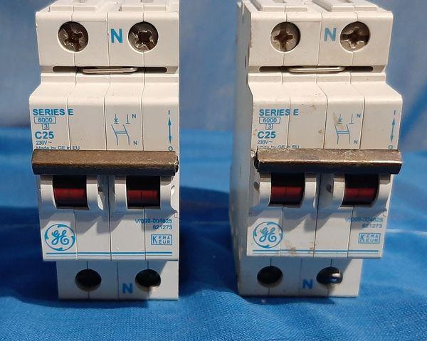 2 Interruptores C25 Merlin Gerin