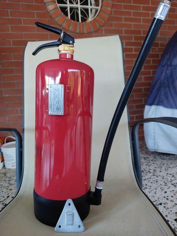 Extintor De 6 Kg Co2 Y 6 Kg.  Polvo Abc