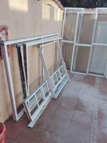 Ventanas De Aluminio Y Puertas