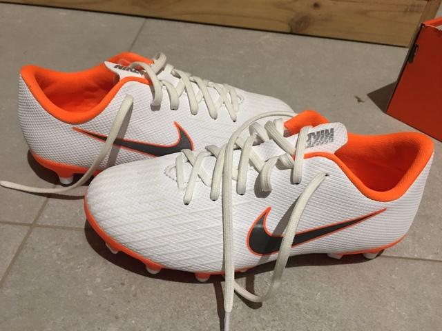 Botas Fútbol Niño Nike Jr Vapor 12 T. 32