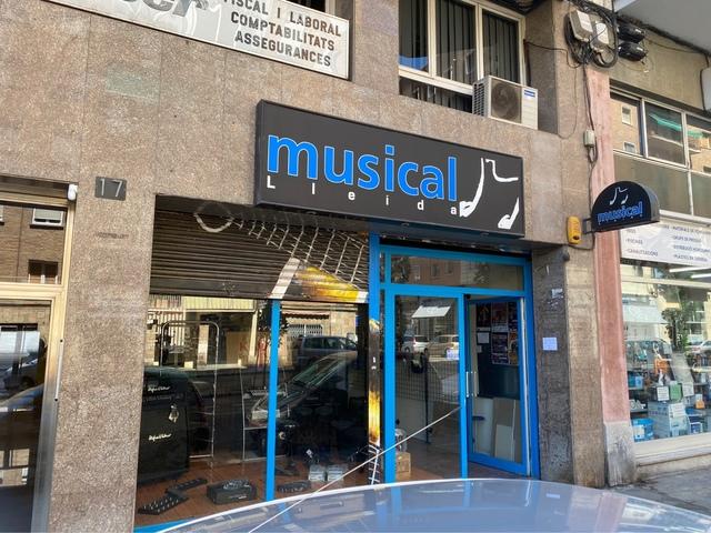MARISTAS UNIVERSIDAD NUEVA - AV MADRID - foto 1