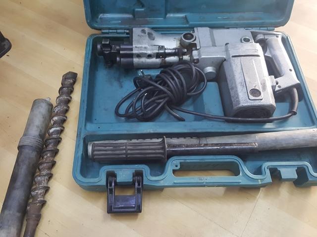 Taladro Percutor Makita 8050 Hammer