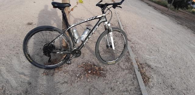 Vendo Bicicleta De Carbono Y 29 Pulgadas