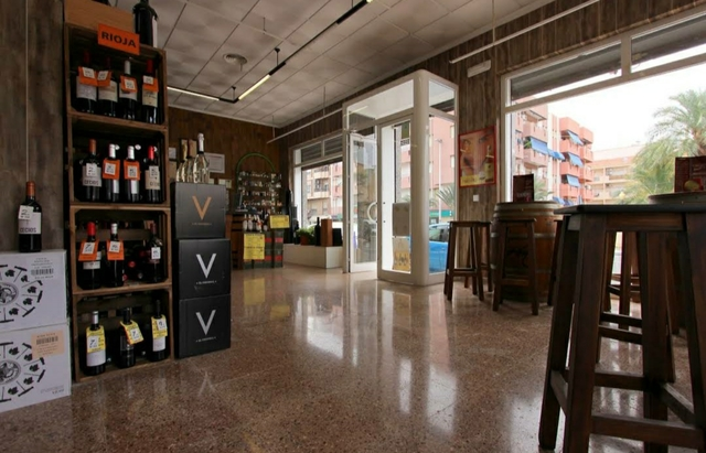 TRASPASO TIENDA DE VINOS, VINOTECA ELCHE - foto 4