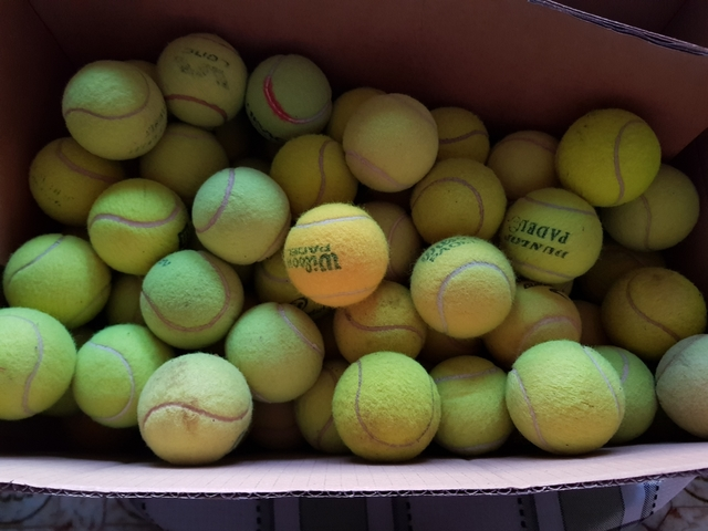 Vengo 40 Pelotas De Padel O Tenis Usadas