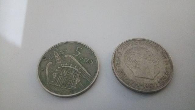 Dos Monedas De 5 Pesetas