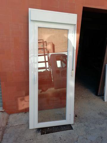 Vendo Puerta Aluminio
