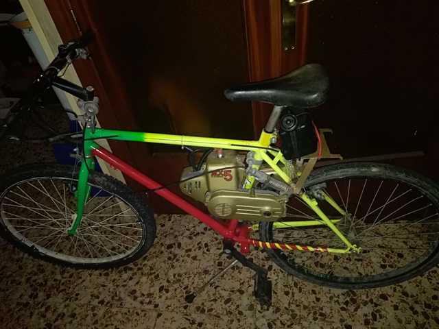 Bicicleta Híbrida Con Motor A Gasolina