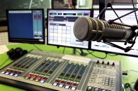 COMERCIAL PUBLICIDAD WEB Y RADIO - foto 2