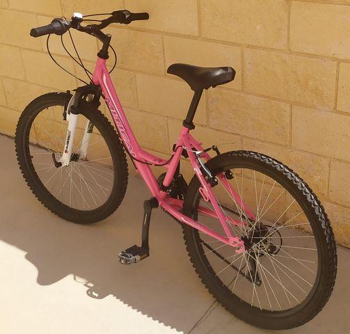 """Bicicleta Niña 24\"""" Seminueva"""