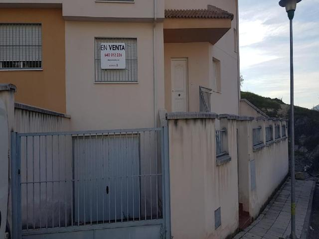 OPORTUNIDAD BANCARIA CASA LOS VILLARES!! - foto 1