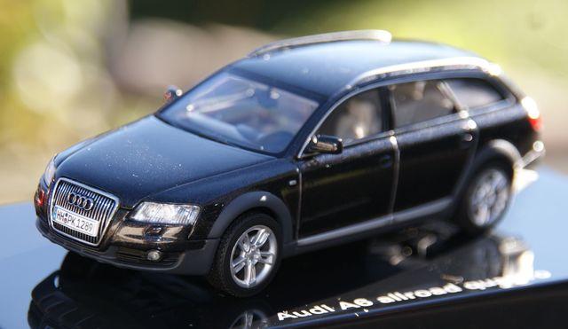 Audi A6 Allroad Quattro Negro Escala 1:4
