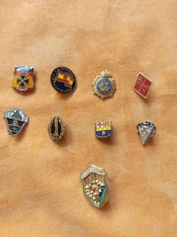Pins  Varios.