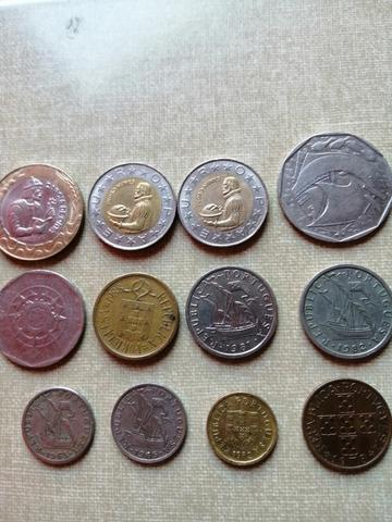 Lote De Monedas De Portugal.