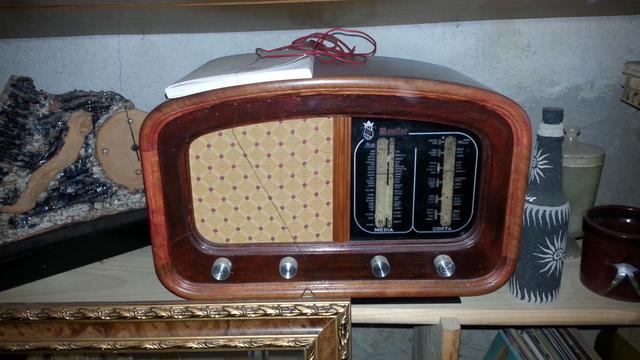Vendo Radio Antigua Funciona Perfectamen