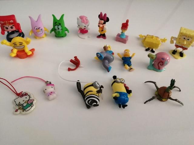 Muñecos De Varias Colecciones