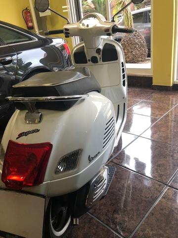 PIAGGIO - VESPA 300 GTS IE - foto 6