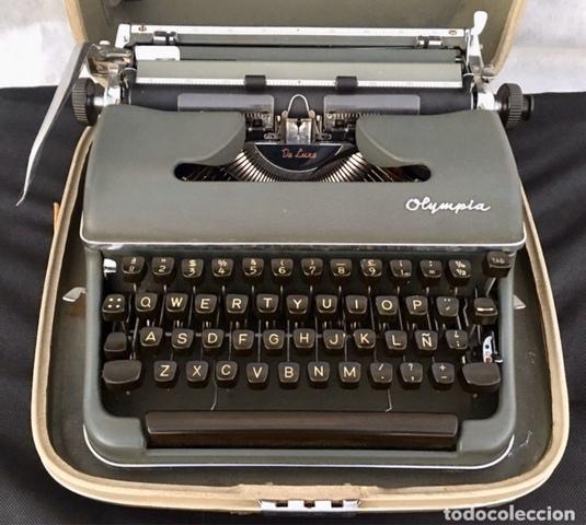 Máquina De Escribir Olympia De Luxe