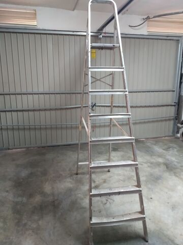 Escalera Aluminio Plegable 8 Peldaños
