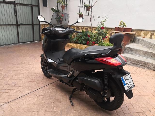 YAMAHA - X-MAX 250I - foto 2