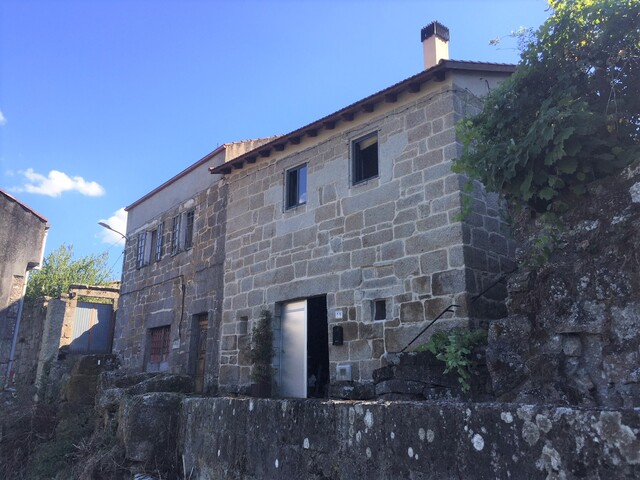 BONITA CASA DE PIEDRA REFORMADA - foto 2