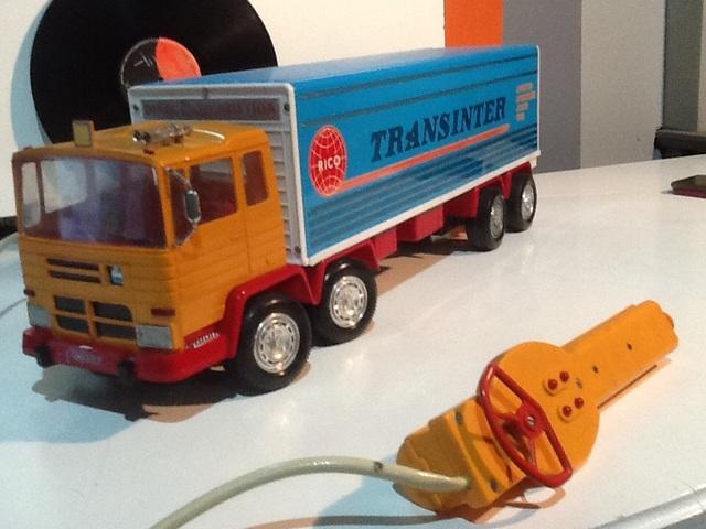 Camión Cable-Dirigido Rico Transinter