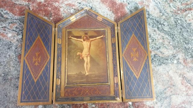 Triptico De Jesus En Madera Y Pintura