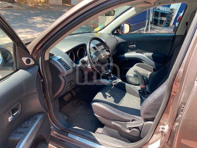 MITSUBISHI - OUTLANDER 220 DID KAITEKI AUTO 4WD - foto 3