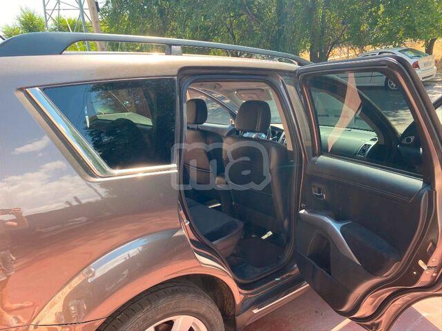 MITSUBISHI - OUTLANDER 220 DID KAITEKI AUTO 4WD - foto 7