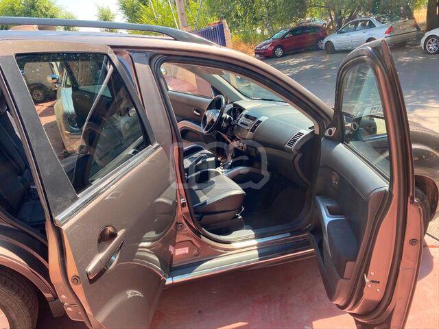 MITSUBISHI - OUTLANDER 220 DID KAITEKI AUTO 4WD - foto 8
