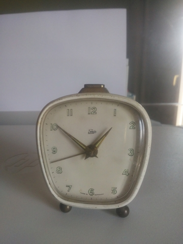 Reloj Despertador Emes